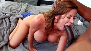 Pornstar Alexis Fawx cunnilingus video HD