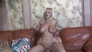 Super juicy latina MILF goes for nailed rough