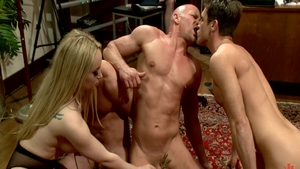 Very sexy Aiden Starr goes for ramming hard