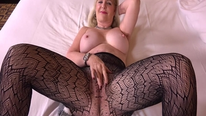 Very hot hotwife goes for loud sex