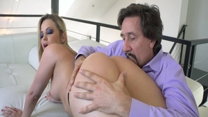 Big ass pornstar Alexis Texas feels like hard sex