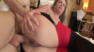 Blowjobs XXX next to young hard Kelly Leigh