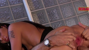 Loona Luxx finds irresistible plowing hard