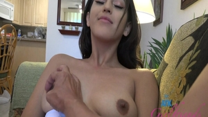 Sophia Leone expose natural tits