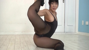Big butt asian erotic pussy eating