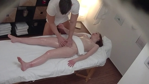 Czech babe agrees to nailing HD