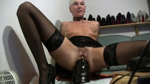 Piercing and very hawt granny rough anal fucked