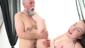 Young brunette Pussy fucked