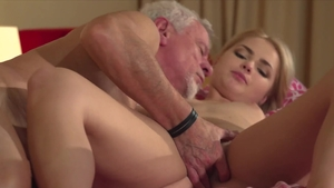 Lolly Small amongst Lolly Hardcore cumshot