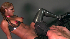 Muscle brunette Jasmine Webb helps with femdom in HD