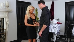 Latina Luna Star pounded by Nikki Benz double penetration