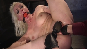 Hot & young babe Lorelei Lee raw fucked anal