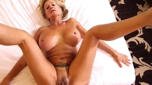 Big boobs mature has a soft spot for blowjobs in HD