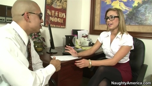 Stepmom Kennedy Leigh in stockings good fucking in office