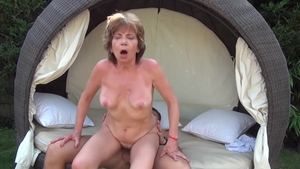 Young granny Akasha Cullen need gets hard fucking in HD
