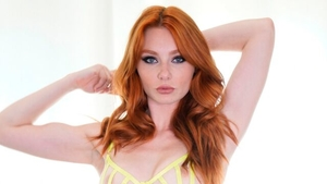 Lacy Lennon raw playing with toys XXX video