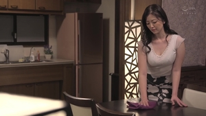 Hairy asian queen really likes sex scene HD