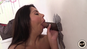 Brunette Candi Coxx digs gloryhole in HD