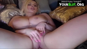 Huge tits pawg receives sex