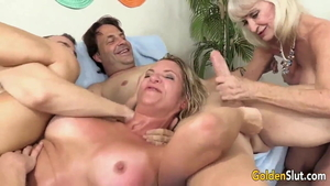 American swinger loves rough orgy in HD