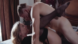 Super sexy Mona Wales fucked in the ass