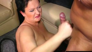 BB Video - Deutsch mature really likes pussy sex in HD