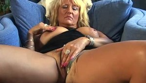 Aunt Judy's: Ramming hard accompanied by tight mature