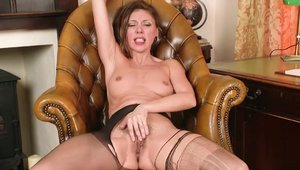 NHLPCentral - Girl French Chloe really likes hard sex in HD