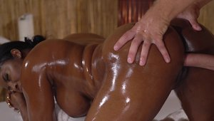 Massage Rooms - Mature Jasmine Webb banging missionary