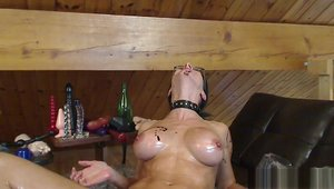 Kinky Frenchies: Brunette oil on live cam