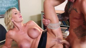 Big Tits at School: Nailing starring naked blonde Leigh Darby
