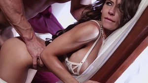 Brazzers Network - Nailing with very sexy mature Madison Ivy