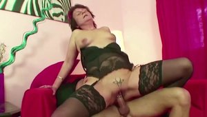 Scout 69: German stepmom digs pussy fucking